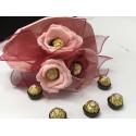 Шоколадов букет с три цветчета