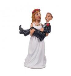 Младоженци - Мъж под чехъл