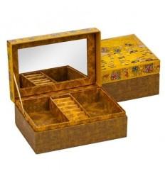 Целувката кутия за бижута