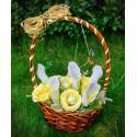 """Кошница с цветя от бонбони """" Рози и калии"""""""